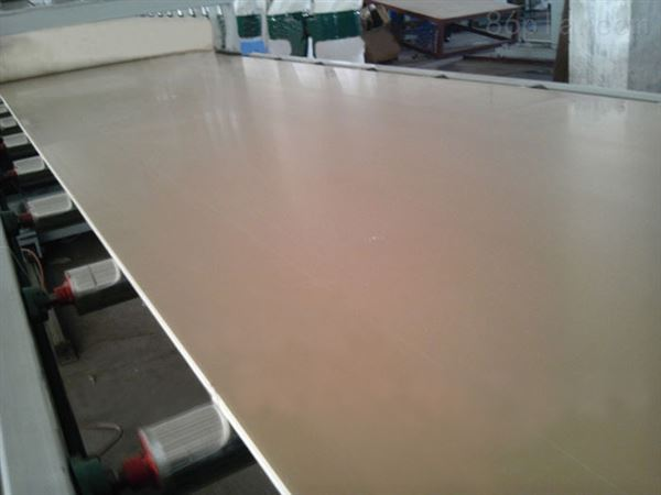 PVC结皮发泡板生产线